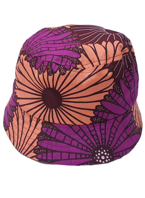 Ib, bøllehat, Purple and Coral Flowers